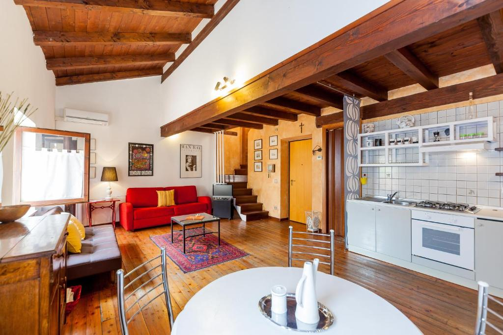 Apartment Casa La Terrazza, Verona, Italy - Booking.com