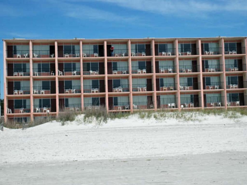 The Red Tree Inn Reserve Now Traveler Photo Of Myrtle Beach July 24 2016 Gallery Image This Property