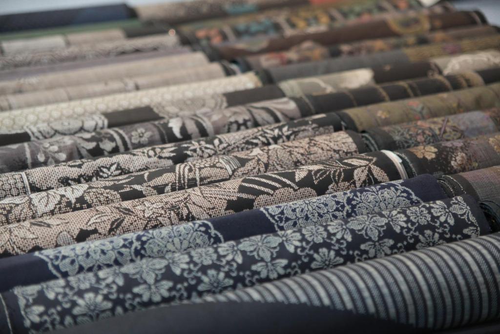 ポイント3.奄美大島の伝統工芸を感じられる「大島紬美術館」