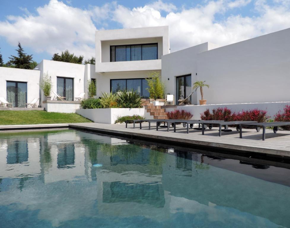 villa le sud cassis france. Black Bedroom Furniture Sets. Home Design Ideas
