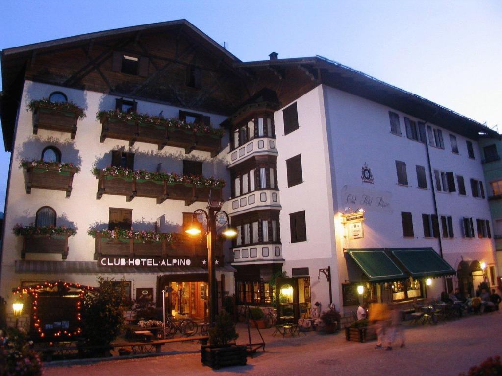 Club hotel alpino folgaria prezzi aggiornati per il 2019 - Folgaria hotel con piscina ...