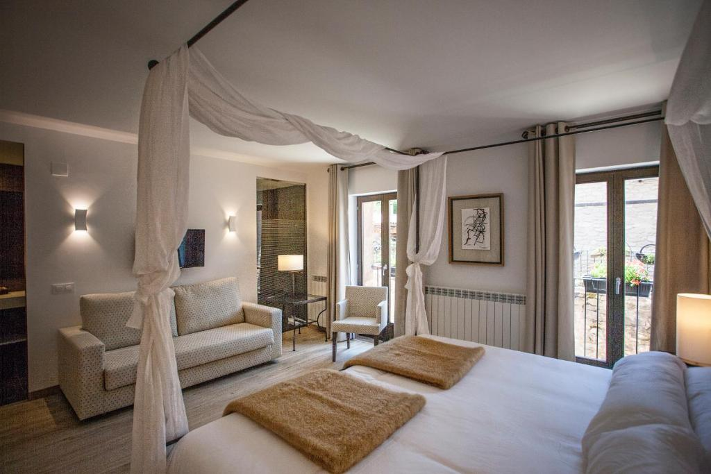 boutique hotels in valgañón  10