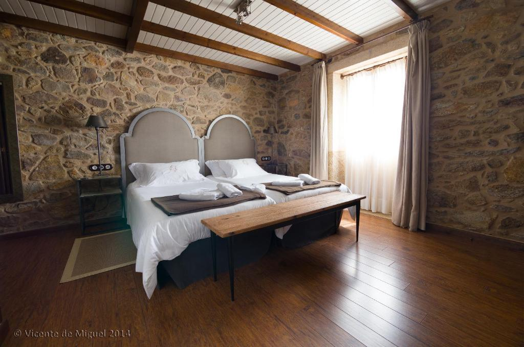 boutique hotels camarinas  19