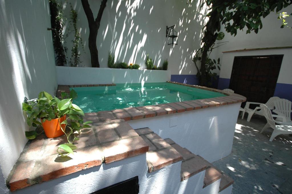 Hotel casa de los azulejos c rdoba precios actualizados for Piscinas en patios chicos