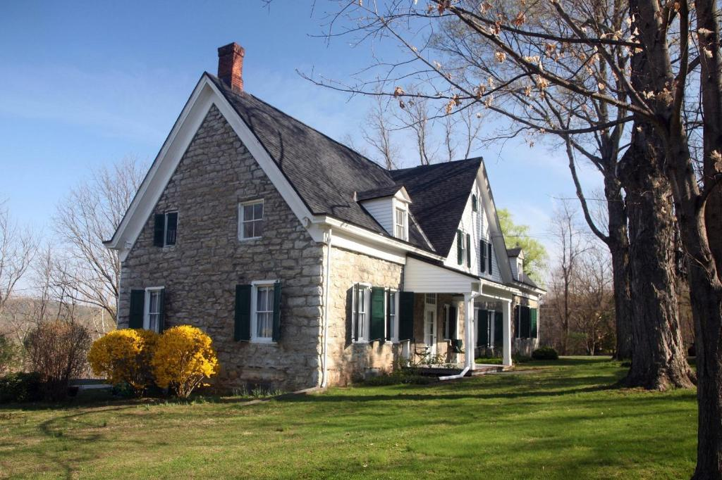 the stone house bed and breakfast hurley ny booking com rh booking com