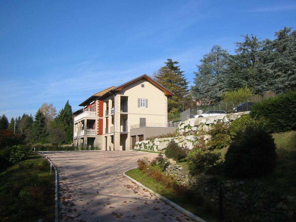 Apartments In Ameno Piedmont
