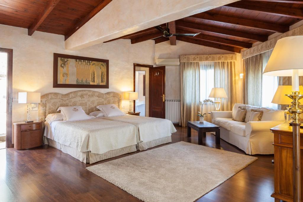 boutique hotels in sant miquel de balansat  65