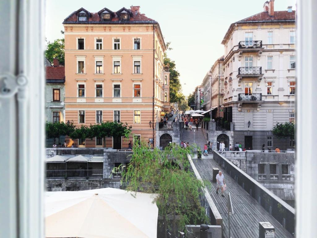 Apartment Studio Emmi Ljubljana Slovenia Bookingcom - A beautiful villa in ljubljana every minimalist will love