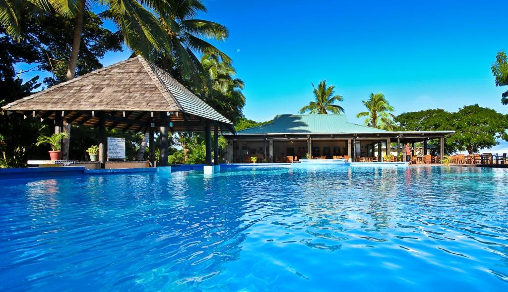 The swimming pool at or near Anchorage Beach Resort
