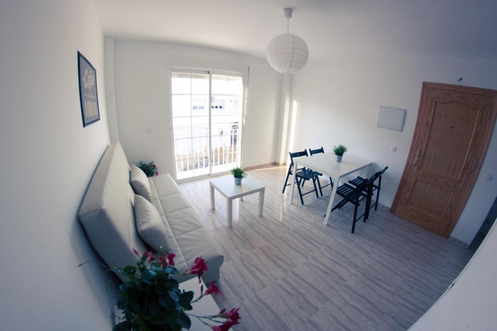 gran imagen de Apartamentos H3 Playamar Pintor Rosales