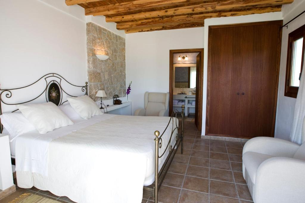 boutique hotels in sant miquel de balansat  11