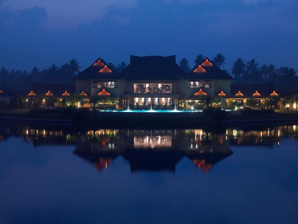 Rooms with best views in Luxury Hotels in Kerala2