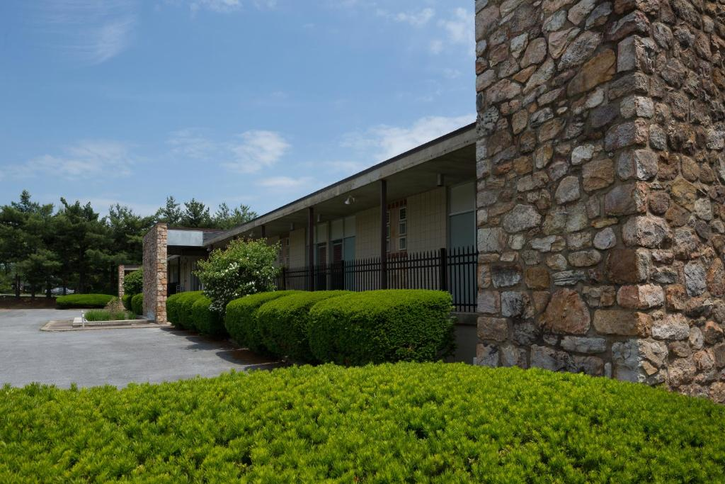 Luray Caverns Motels Reserve Now Gallery Image Of This Property