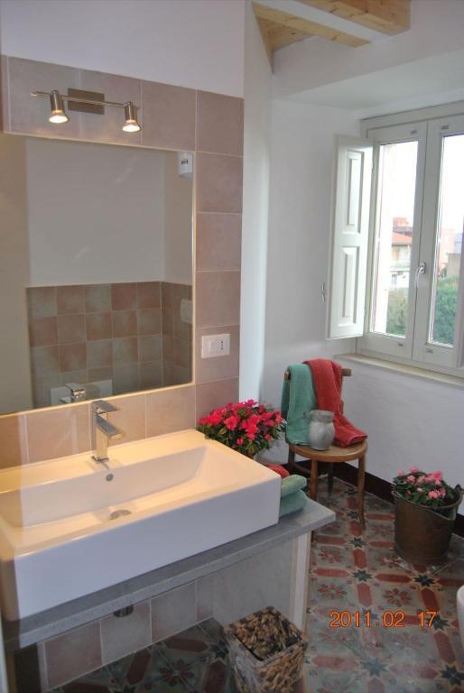 villa franca viagrande italy. Black Bedroom Furniture Sets. Home Design Ideas