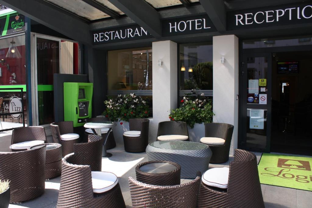 Hotel restaurant la renaissance baccarat where to buy russian roulette