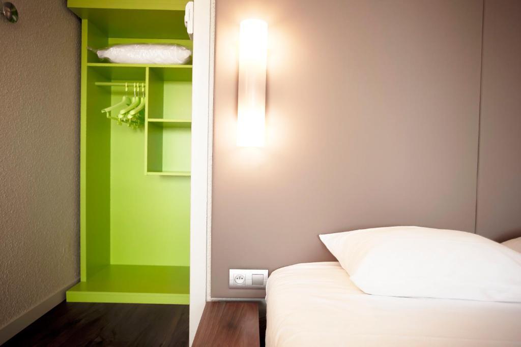 Hotel St-Brieuc Langueux, France - Booking.com