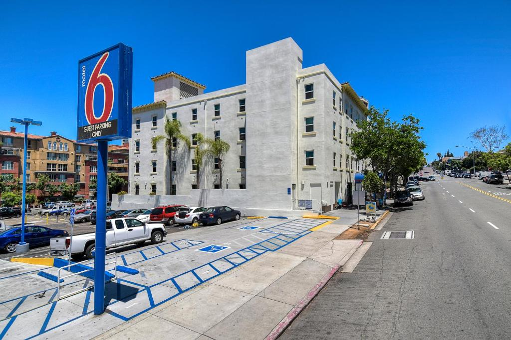 Motel Downtown San Diego CA Bookingcom - Motel 6 locations map us