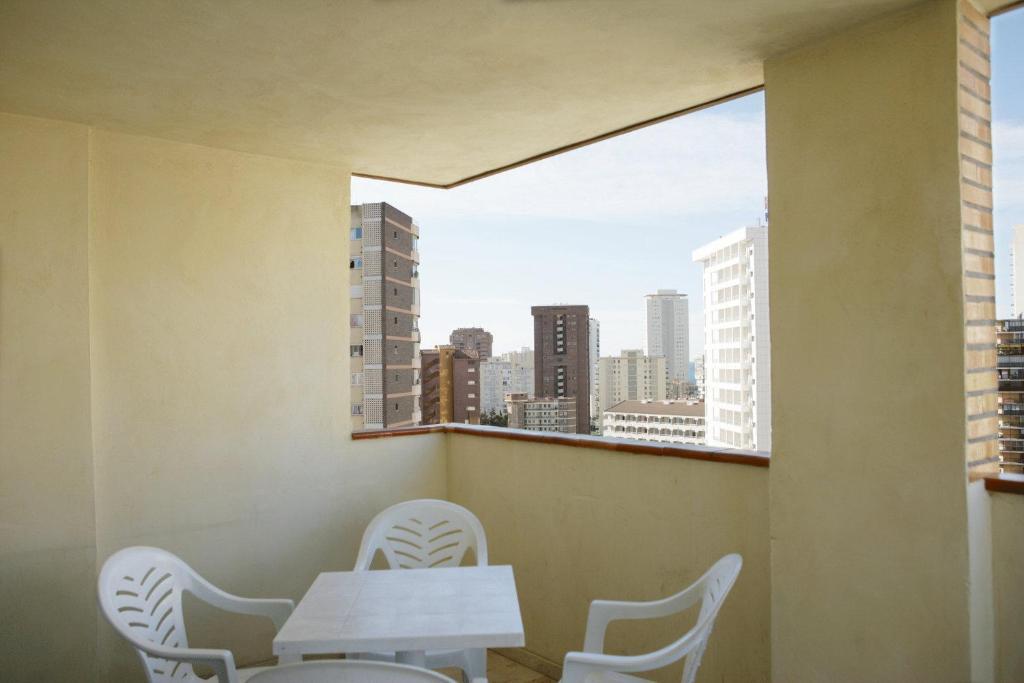 gran imagen de Apartamentos Benimar