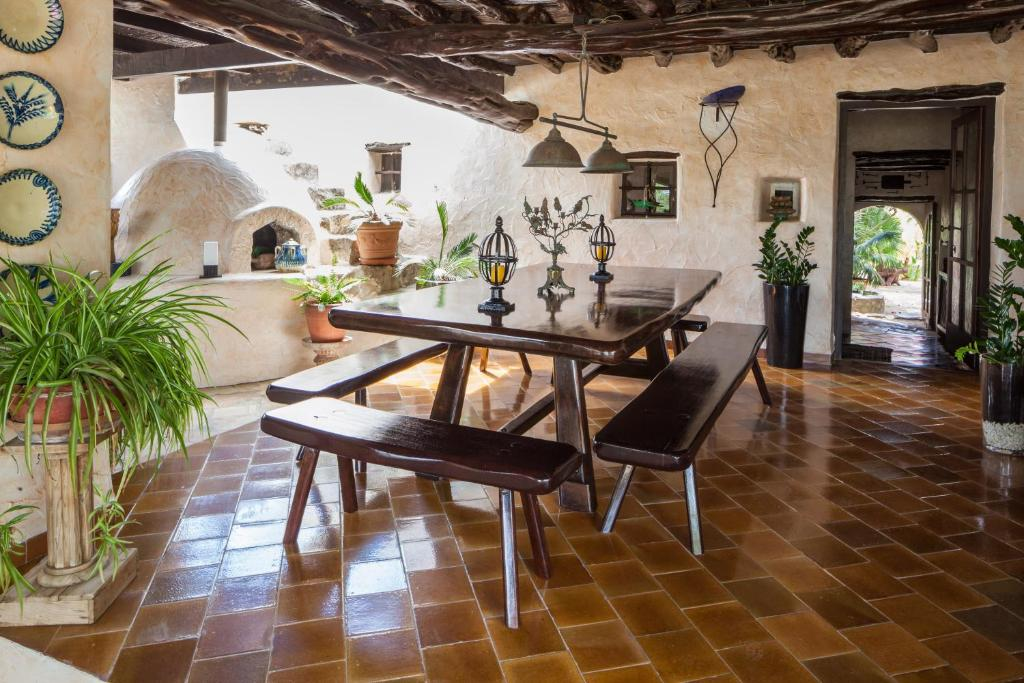 boutique hotels in sant miquel de balansat  93