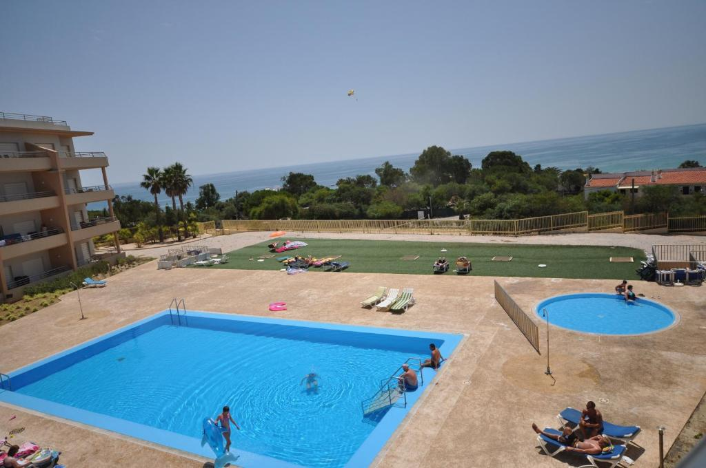 A view of the pool at Apartment Quinta Da Barracuda or nearby