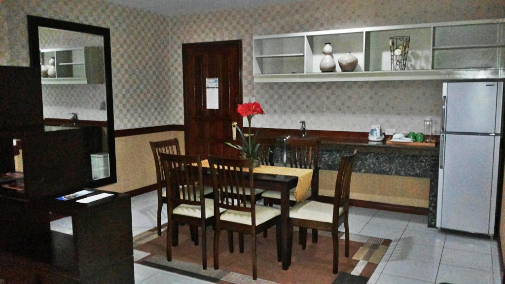 Hotel Subic Residencias Olongapo Philippines