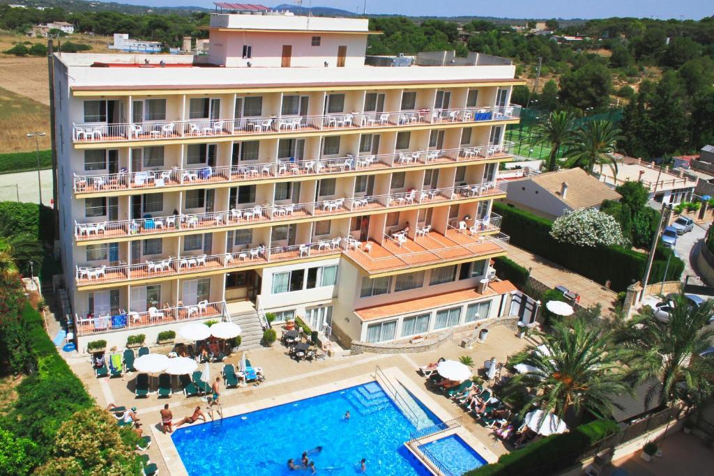 Вид на бассейн в Hotel Don Miguel Playa или окрестностях