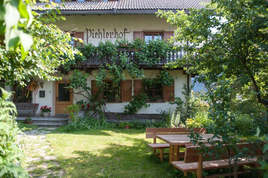 Residence Pichlerhof Rasun Di Sopra Prezzi Aggiornati Per Il 2019