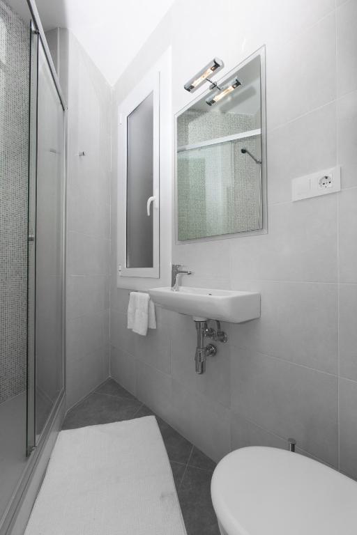 12 Photos Close Centric Sagrada Familia Apartments