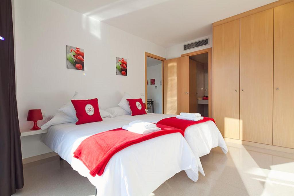 Charmsuites Holiday