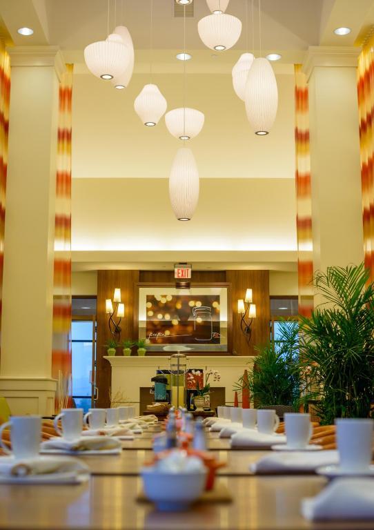 Hilton Garden Inn Exton Hotel Pa Bookingcom