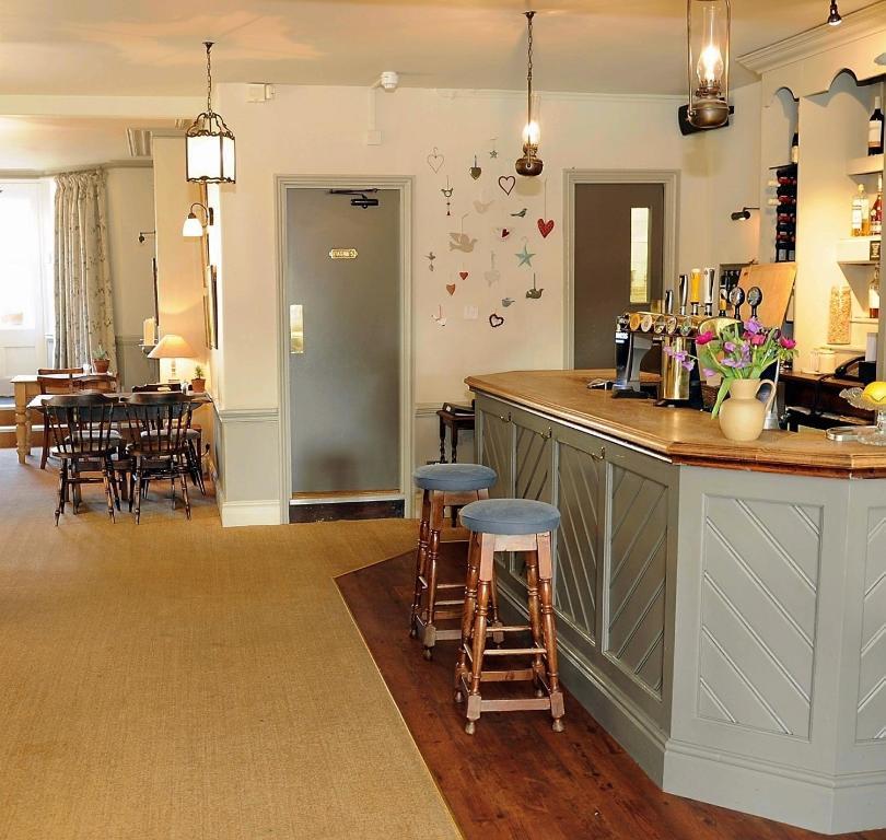 the falcon inn cirencester
