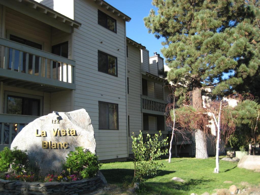 Apartment la vista blanc by mammoth reservation bureau mammoth