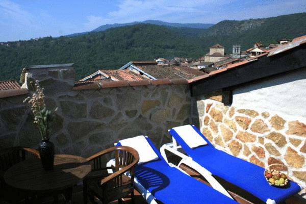 boutique hotels in mogarraz  11