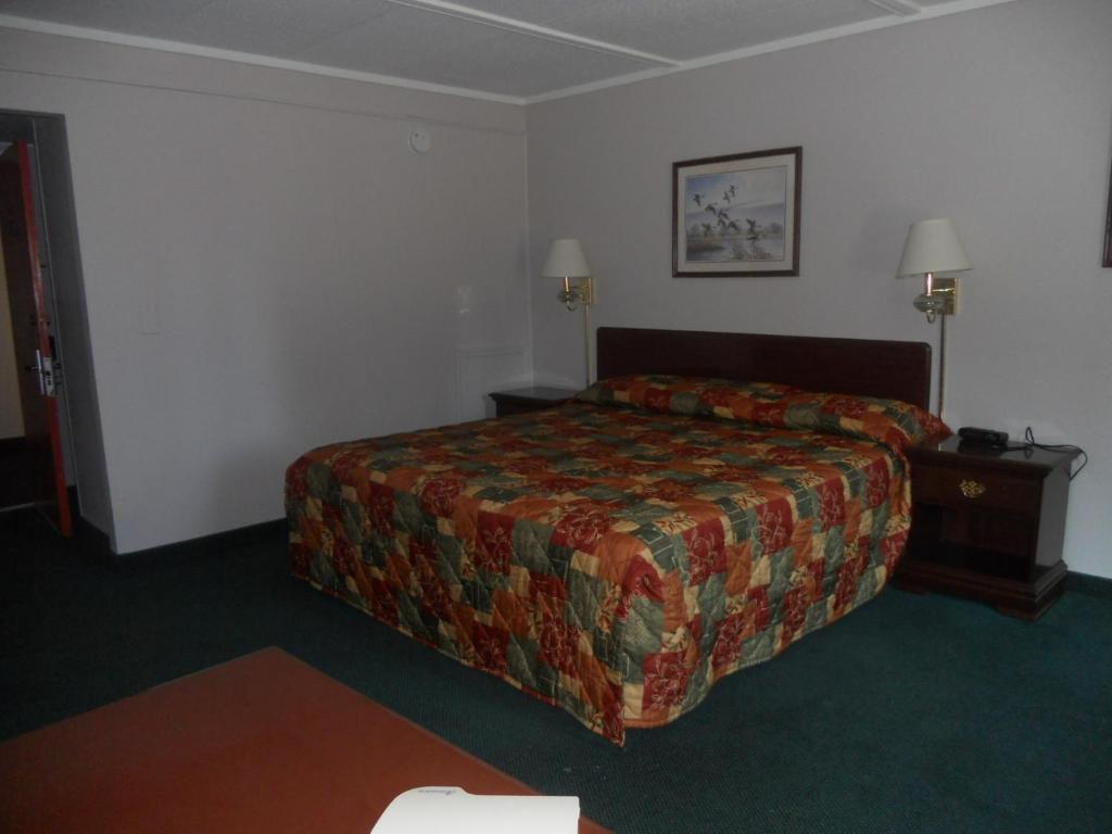 Rapids Inn & Suites