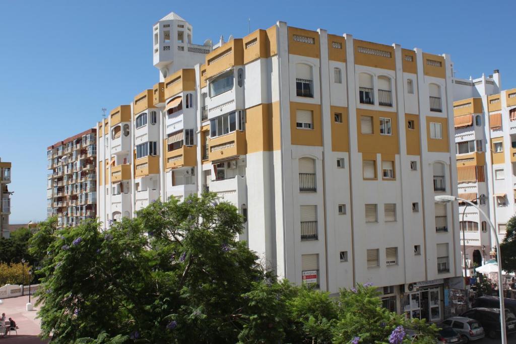Apartamento jardines del gamonal espa a benalm dena for Jardines del gamonal benalmadena