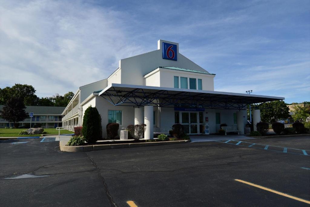 Motel 6 Tewksbury Ma Booking Com