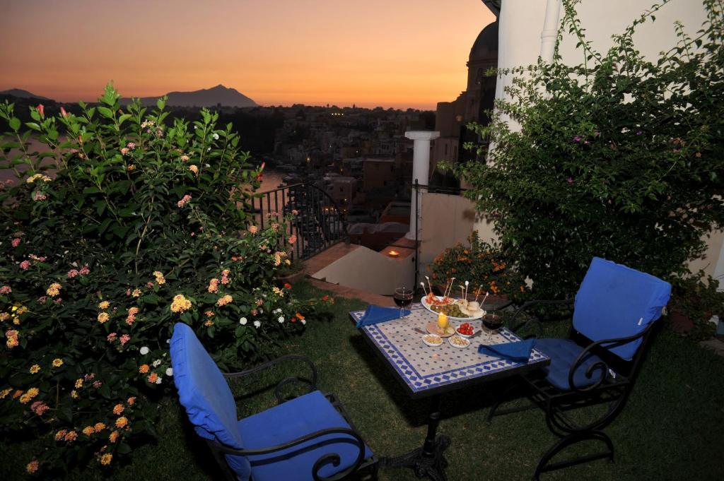 Hotel La Casa sul Mare, Procida, Italy - Booking.com