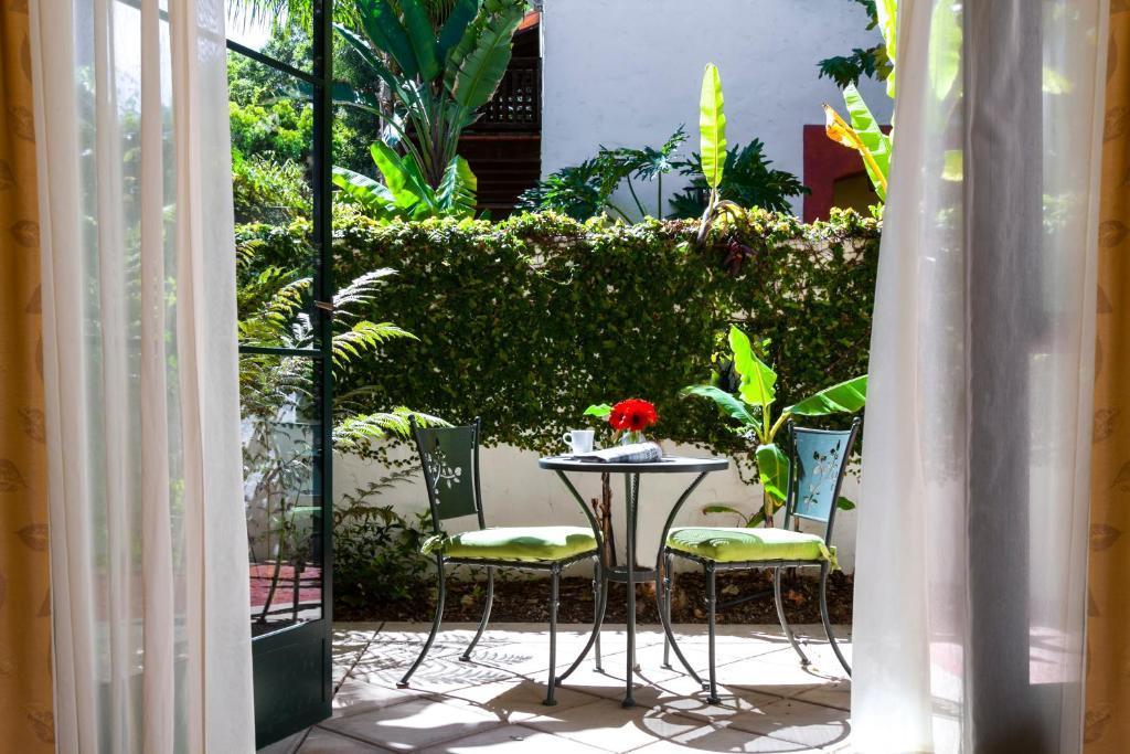 Spanish Garden Inn, Santa Barbara, CA - Booking.com