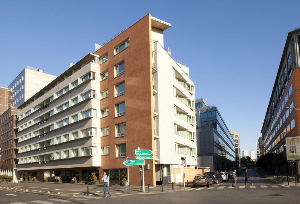 Condo hotel montreuil saint mand france for Hotels saintes