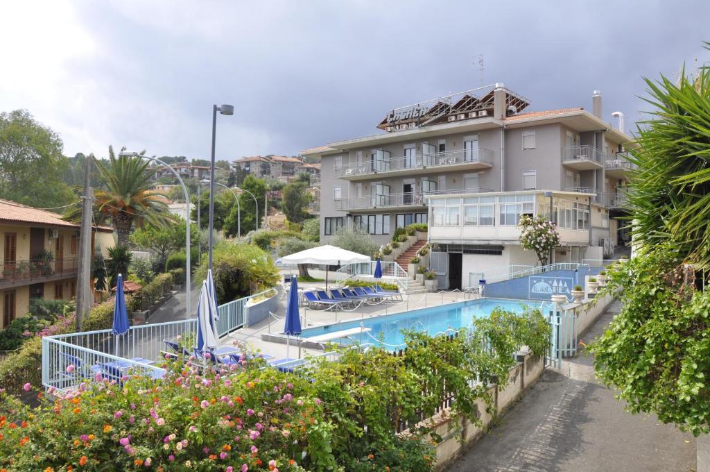 Hotel Lachea, Aci Castello – Updated 2018 Prices