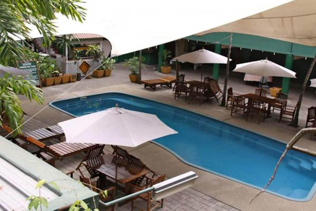 The swimming pool at or close to Hideaway Hotel
