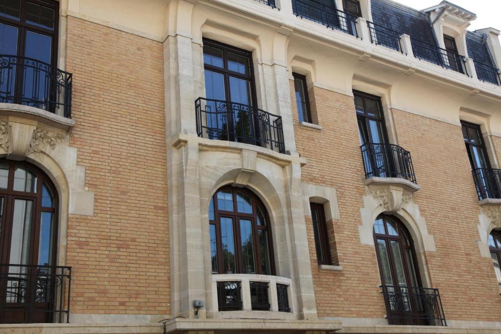 Bed and breakfast chambre d 39 h tes des sacres reims france - Chambre des commerces reims ...