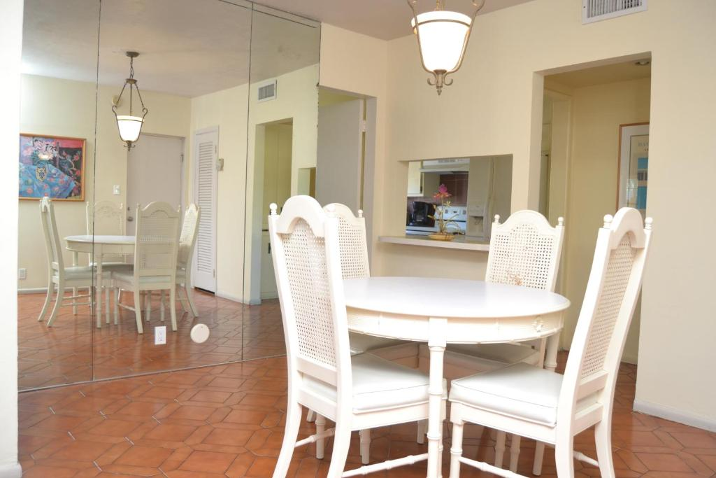 Elysium Resort Clothing Optional Men S Guesthouse Fort Lauderdale Usa Deals