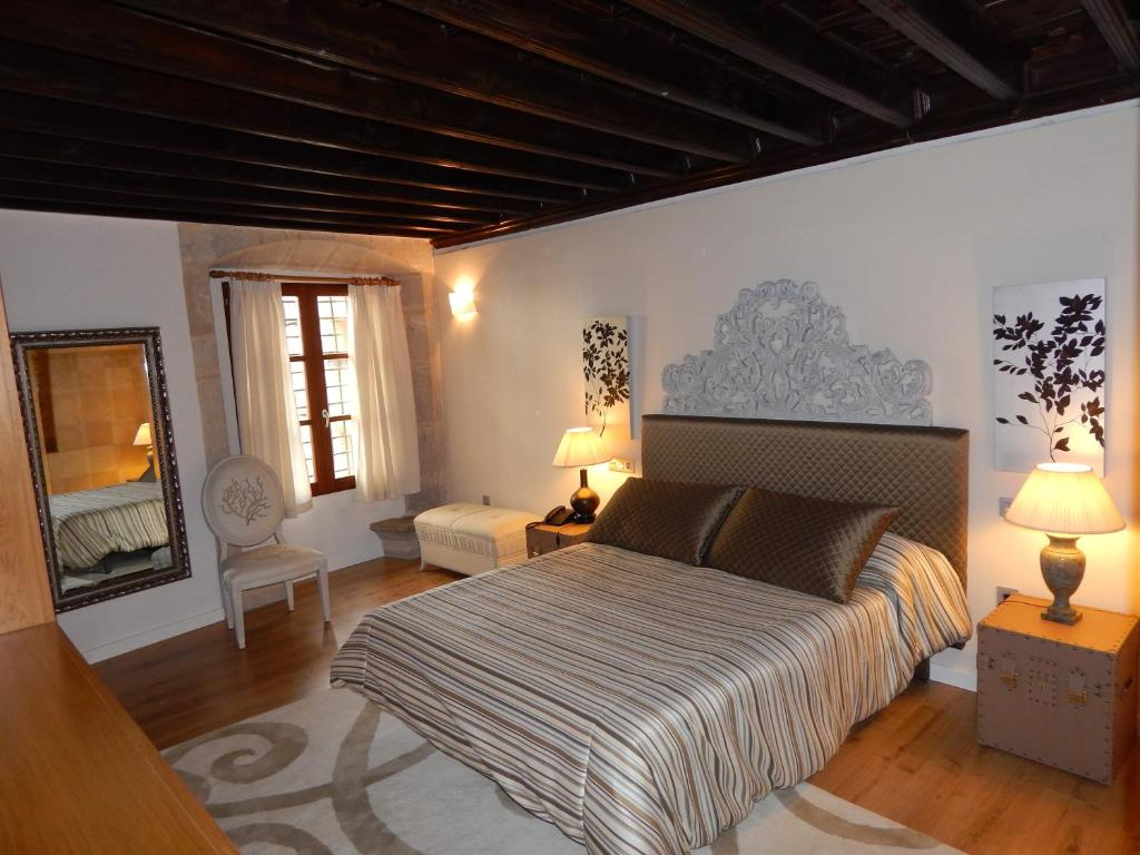 boutique hotels in forcall  15