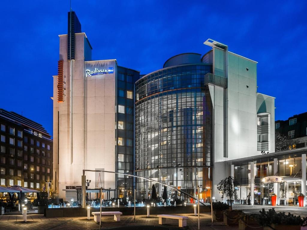 Hotel Radisson Blu Royal Helsinki, Finland - Booking.com