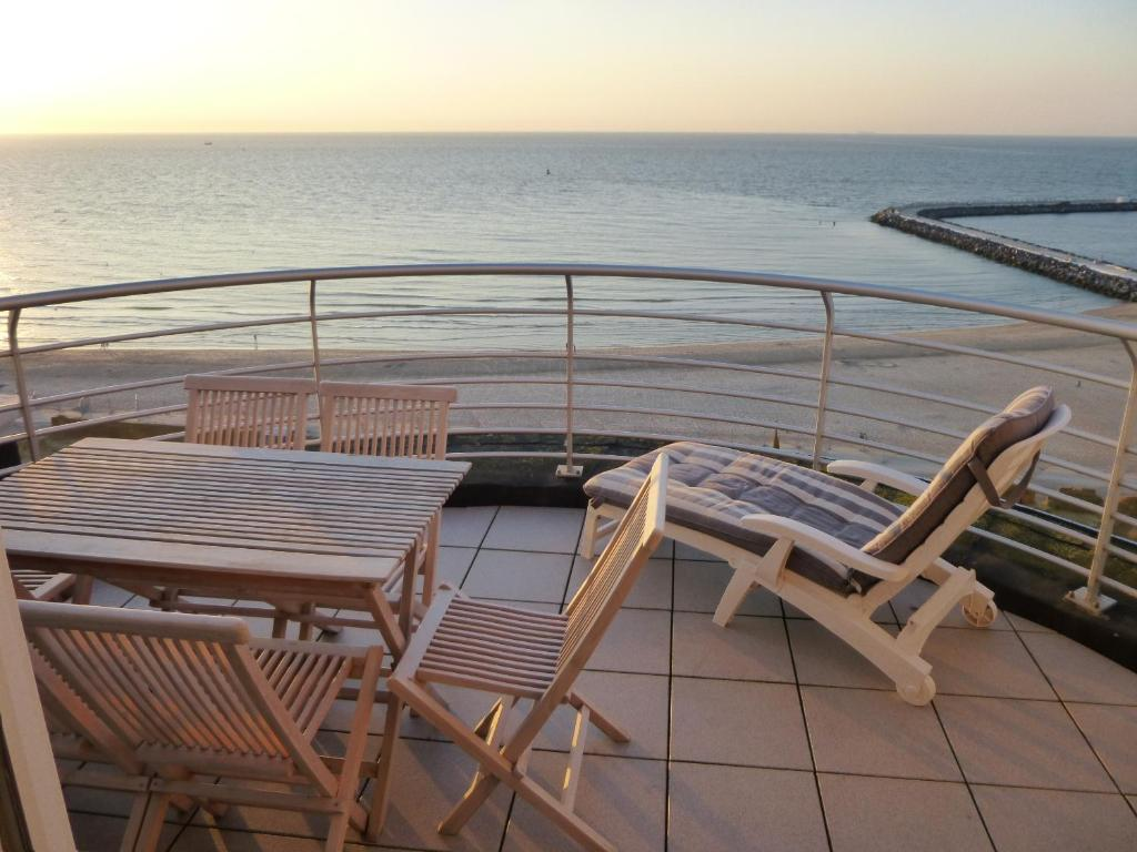 A balcony or terrace at El Mirador Quality Stay - Apartments