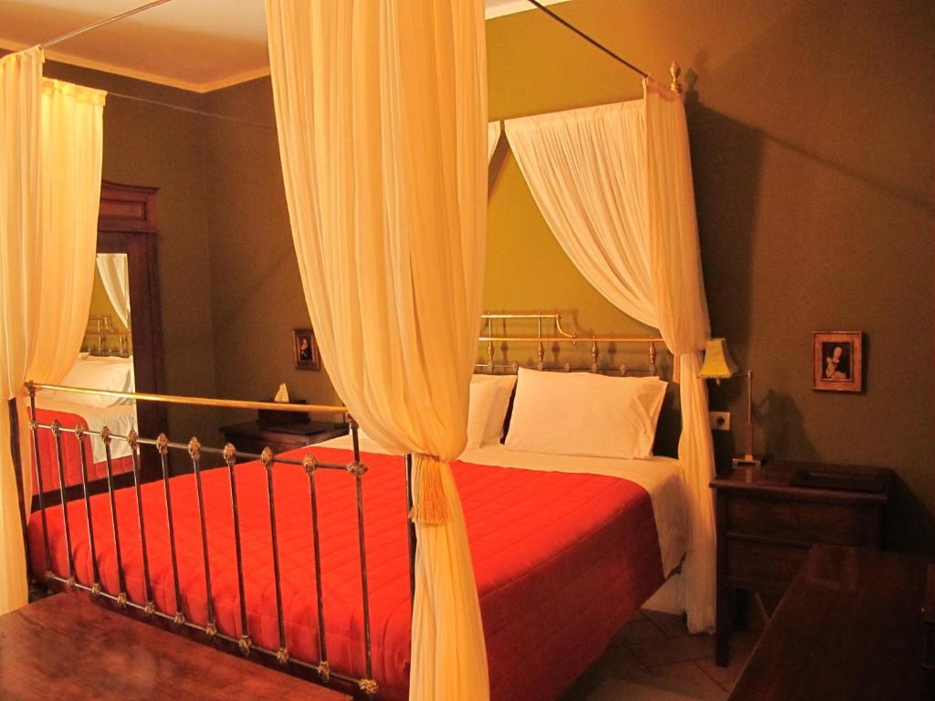 hoteles con encanto en zufre  17