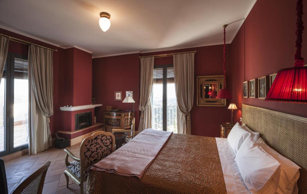 hoteles con encanto en zufre  12