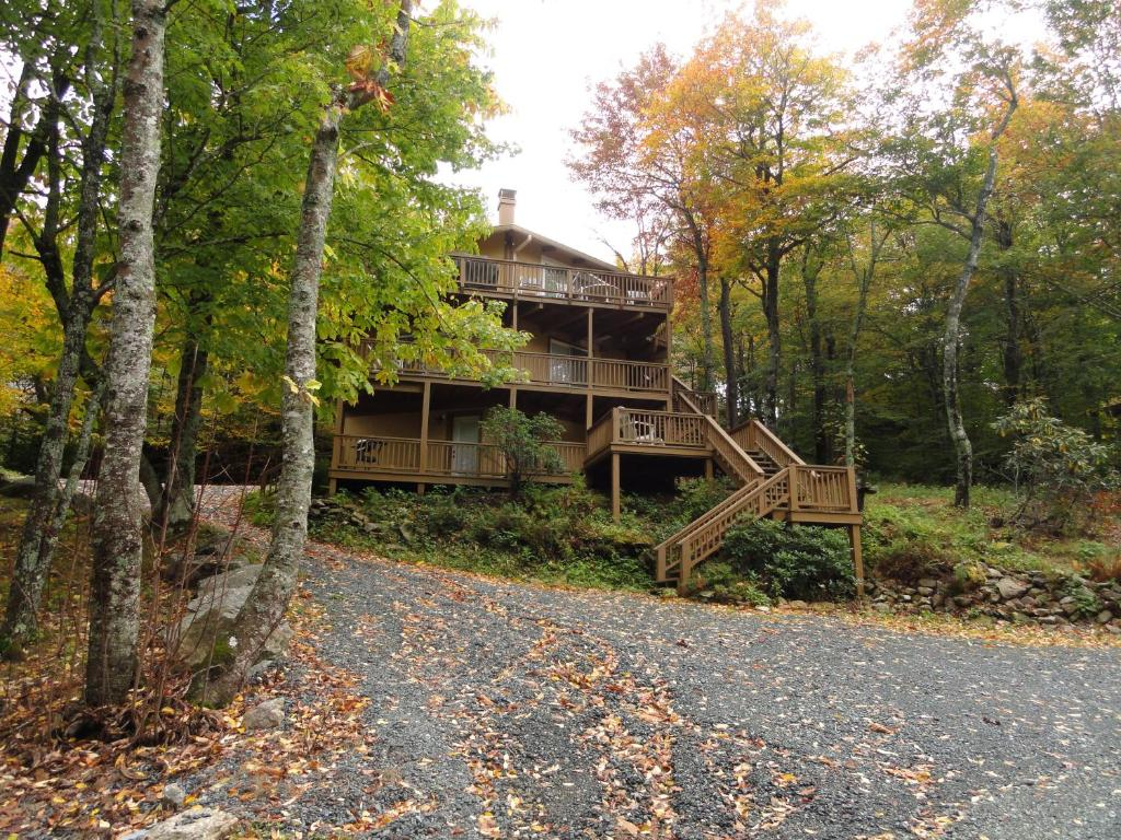 the cabin south expertise trip local area north to mountains rental your cabins we burnsville img front help creek carolina have plan on rentals you