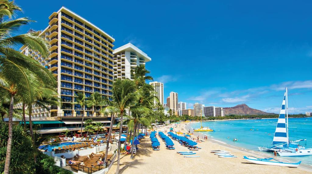 Resort Outrigger Waikiki Beach, Honolulu, HI - Booking.com